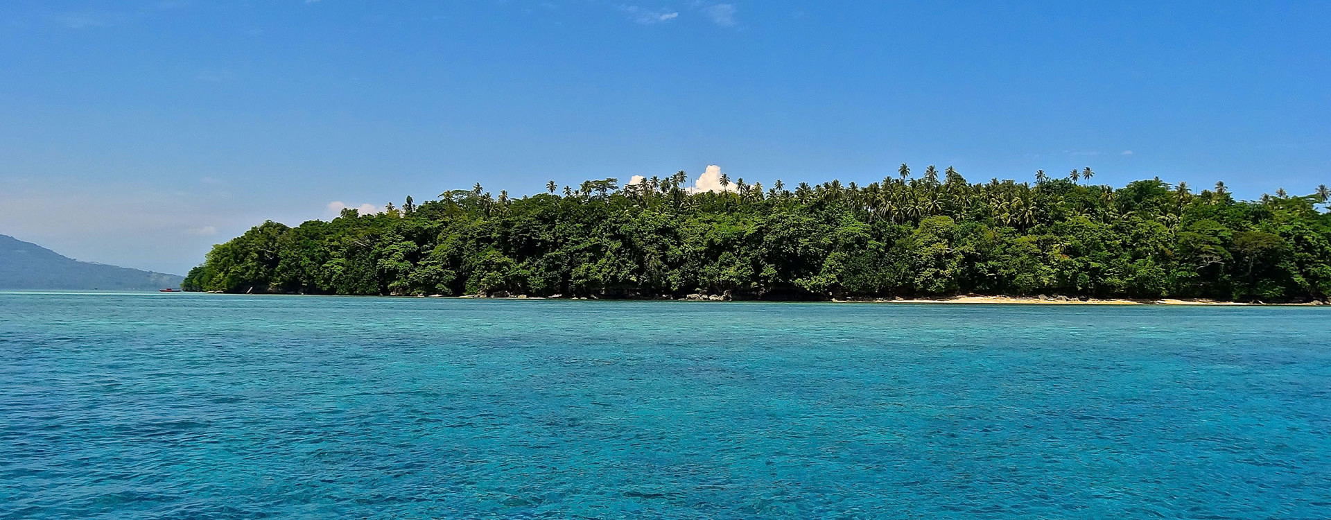 Siladen Island, a pearl in the Ocean
