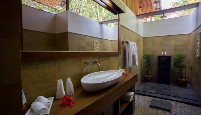 New Beach Villa Bathroom
